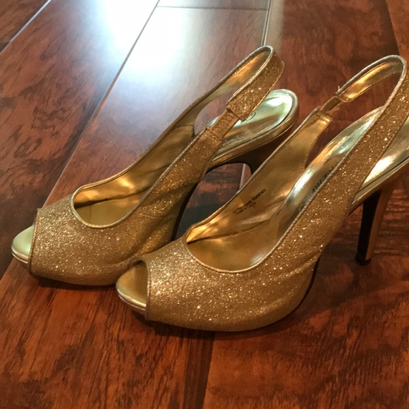 c3dcfc7e9b8 Gold glitter peep-toe pumps. Worn once to prom.